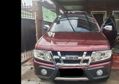 selling red isuzu sportivo x 2013 in pasig city