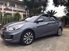 selling silver hyundai accent 2017 in manila