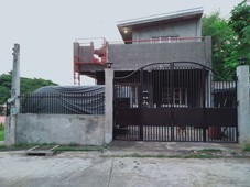 3 storey house house and lot