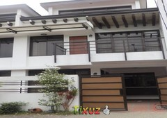 town house in town country executive village antipolo city